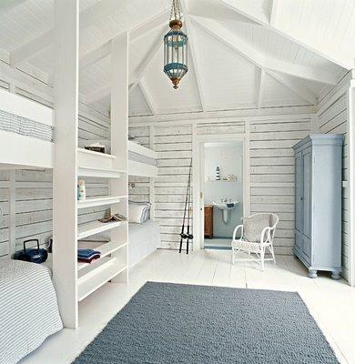спальня для четверых детей