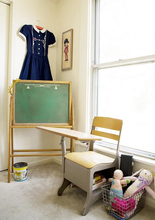 парта стол для детской комнаты