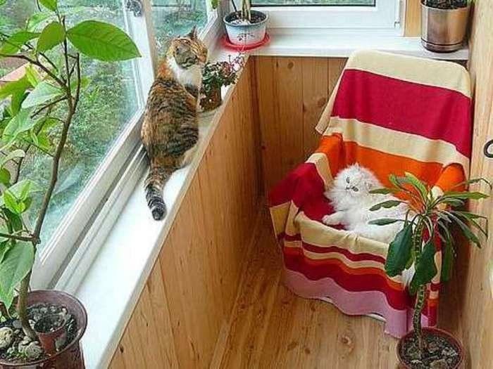 уютный балкончик в деревенском стиле