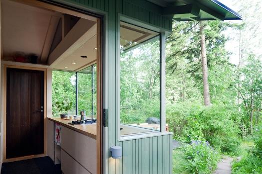маленький дачный домик с кухней