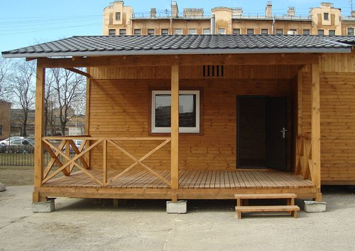 дом из трех бытовок