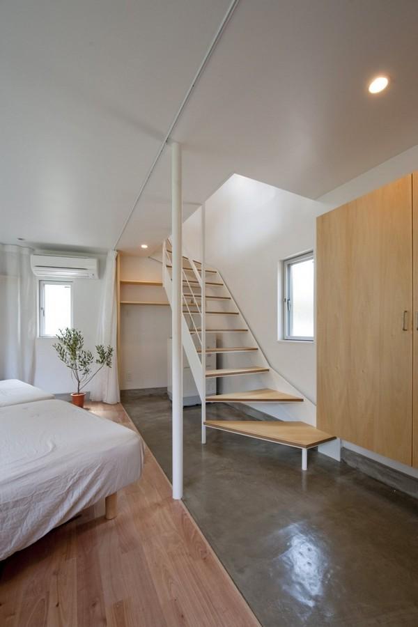 Маленький дом на треугольном спальня