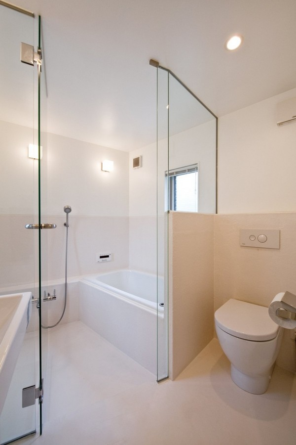 маленькая дом - уборная комната