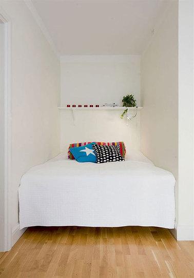 дизайн спальной в углу