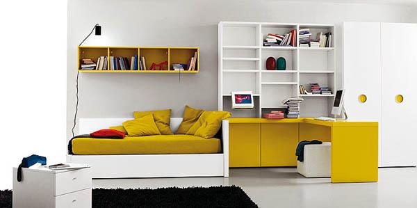 жолтая спальная комната