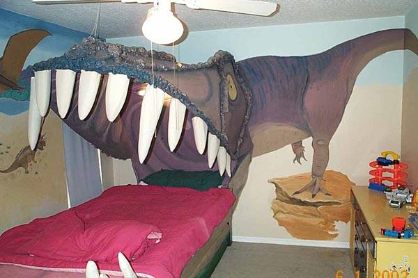 Кровать в пасти динозавра