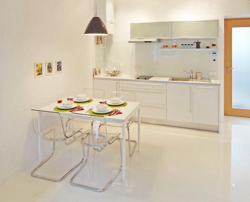 дизайн комуналки Кухня и столовая стол