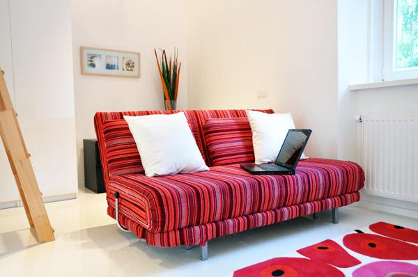 дизайн комуналки диван